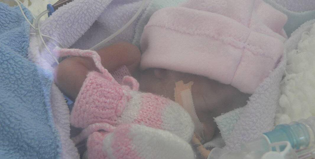 Martinka má len 12 hodín a dýchať jej pomáha ventilátor