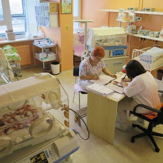 Po vizite lekár a sestrička dohodnú spoločné postupy starostlivosti o drobčekov